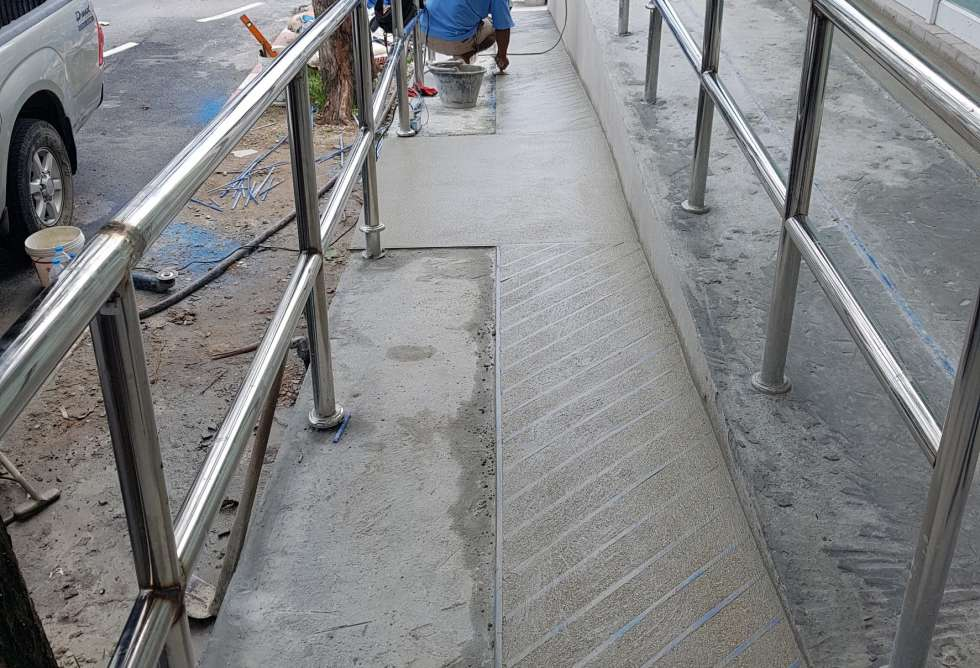 12-7-eleven-bangkok-hospital-phuket-sct-construction