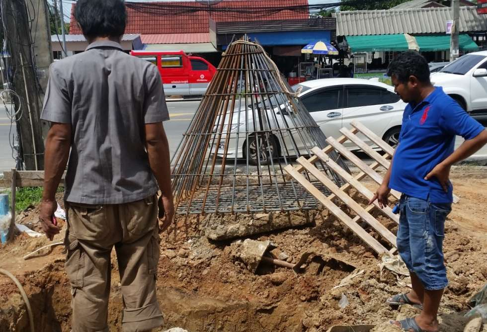 3-7-eleven-loung-pu-supa-temple-phuket-sct-construction